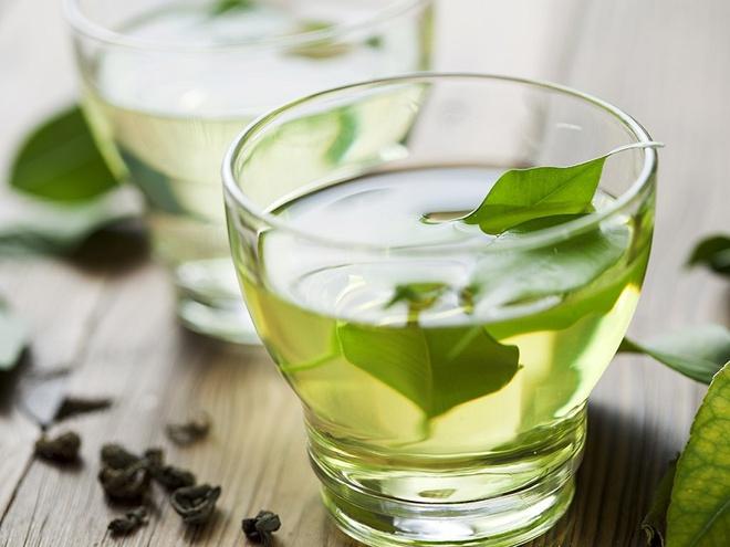 Uống trà xanh vào buổi sáng để giảm cân