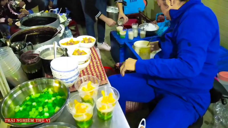 Vân Béo là quán chuyên phục vụ các loại sữa chua và chè.
