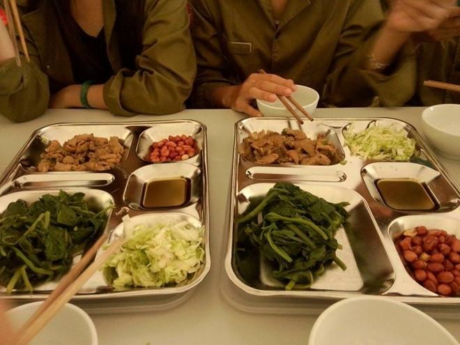 Bữa ăn khi học quân sự
