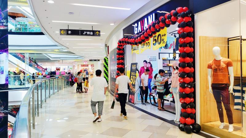 Mua sắm ở Vạn Hạnh Mall