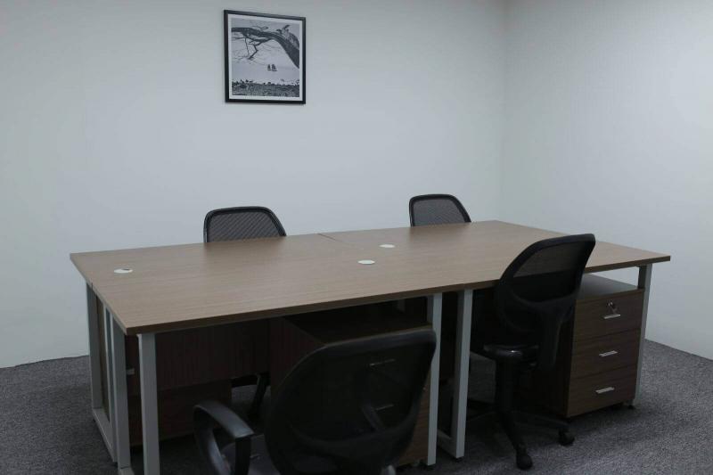 Phòng họp nhỏ với tiện nghi cơ bản thiết kế tối giản