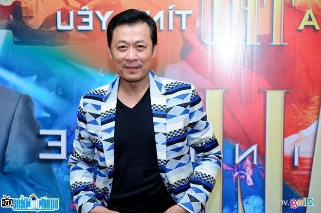 Nghệ sĩ Vân Sơn