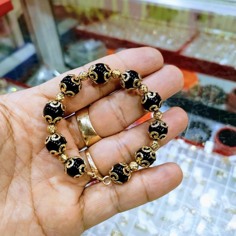 Sản phẩm vòng đá phong thuỷ tại Vàng Bạc Ngọc Phương