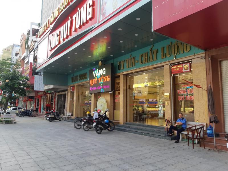 Tiệm vàng Quý Tùng