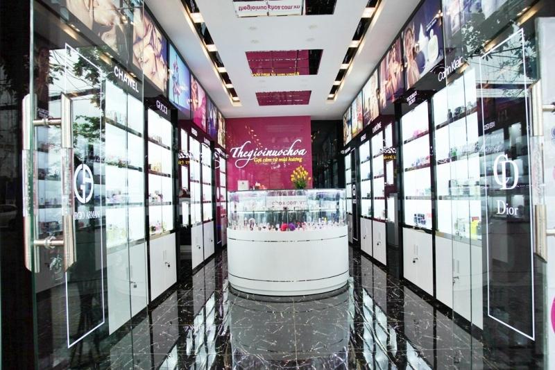 Bên trong một Showroom mới mở tại Hải Phòng.