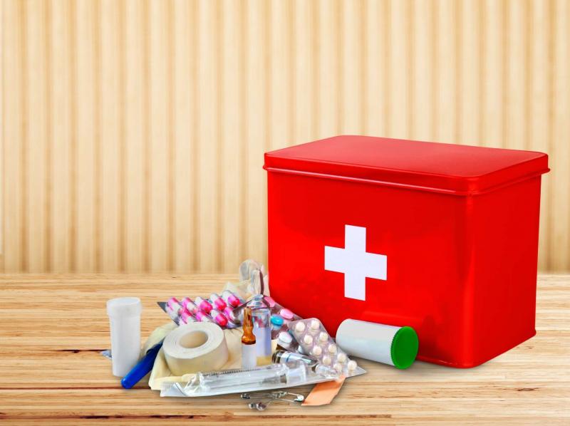 Luôn phải có bộ sơ cứu và thuốc trong hành trang