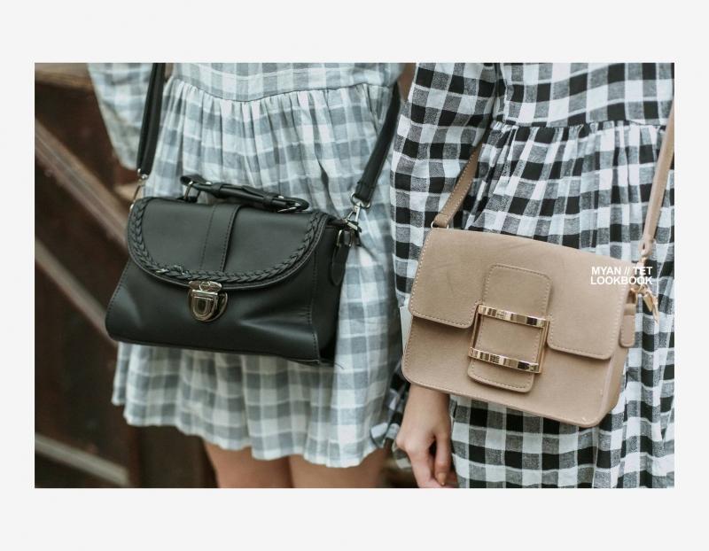 Túi xách giúp cho bộ trang phục thêm phần nổi bật.