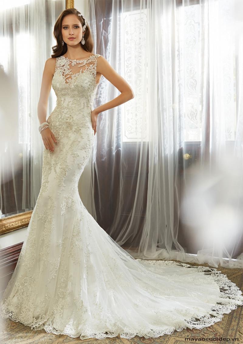 Váy cưới đuôi cá khiến cho đôi chân trở nên dài miên man