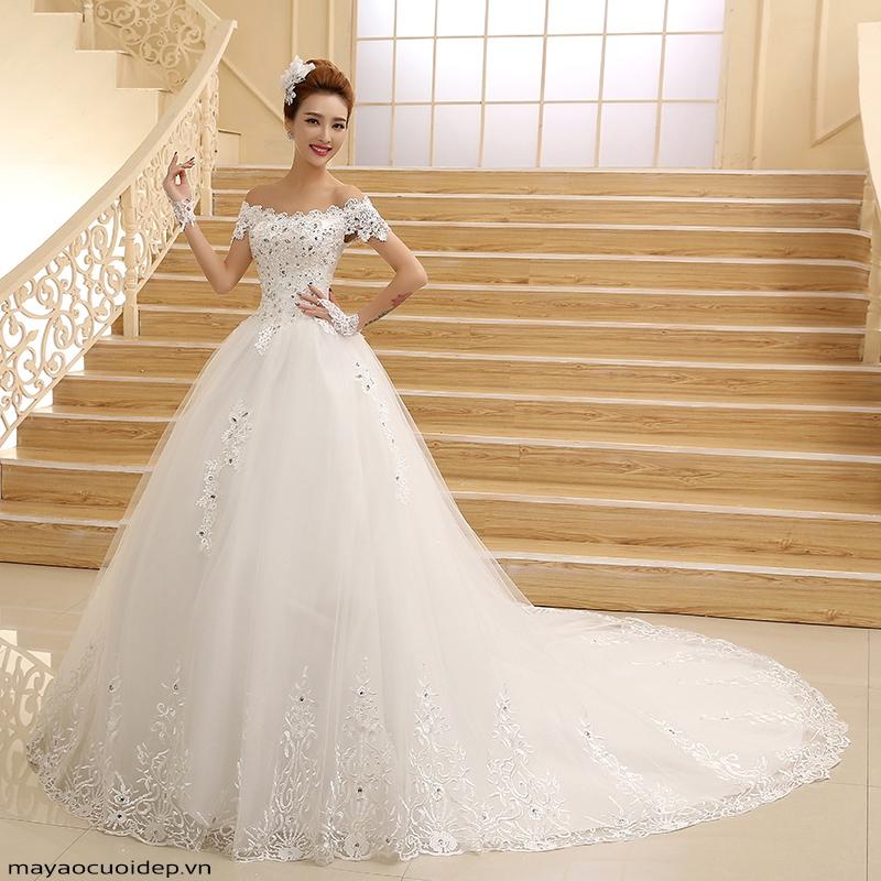 Váy cưới trễ vai giúp khoe vòng 1 đầy đặn