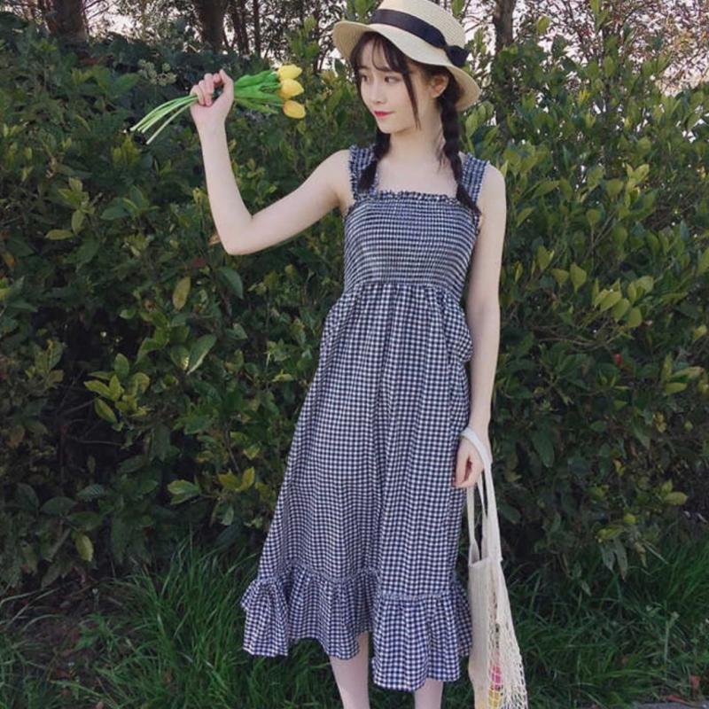 Váy hai dây bản lớn