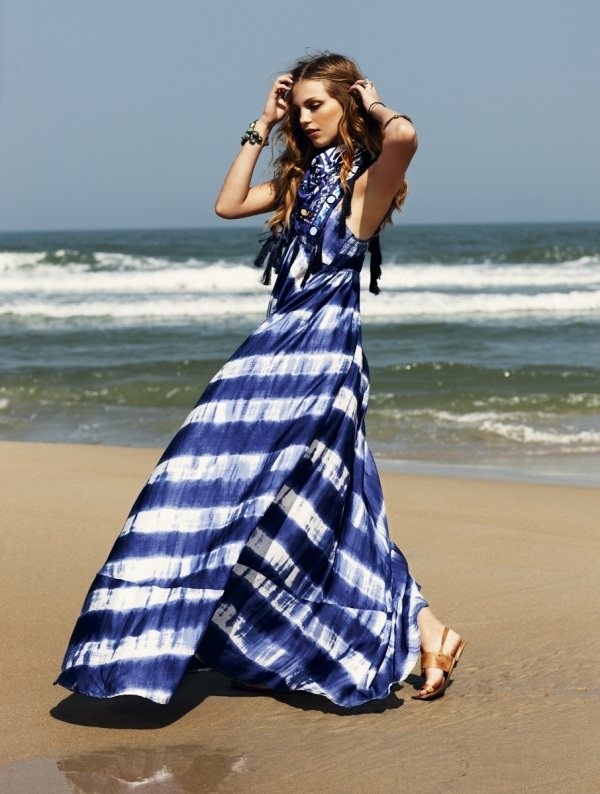 Váy kẻ sọc