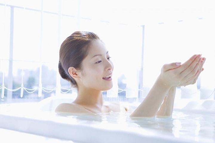 Kết hợp với một số loại sửa tắm, sẽ giúp bạn thơm tho hơn.