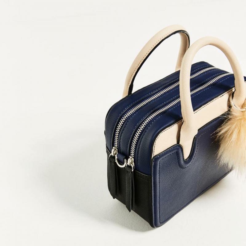 Mẫu túi xách tại Veobags Shop (hình ảnh lấy từ Fanpage của shop)