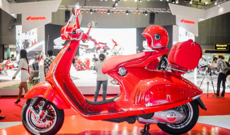 Vespa 946 RED – Giá: 429 triệu đồng