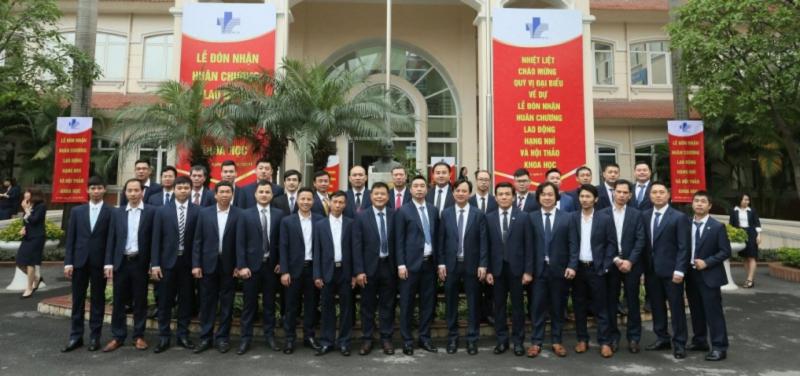 Vest Nguyễn
