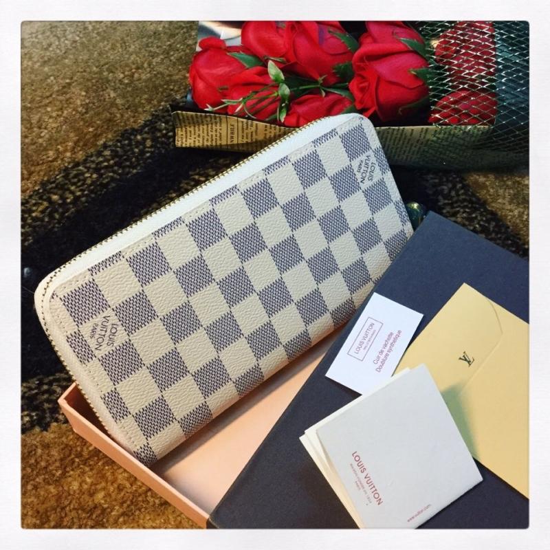 Ví nữ Louis Vuitton tôn lên vẻ quyến rũ của phái đẹp