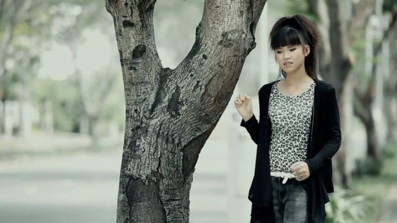 Hình ảnh ngày đầu của Khởi My Trong MV Vì sao