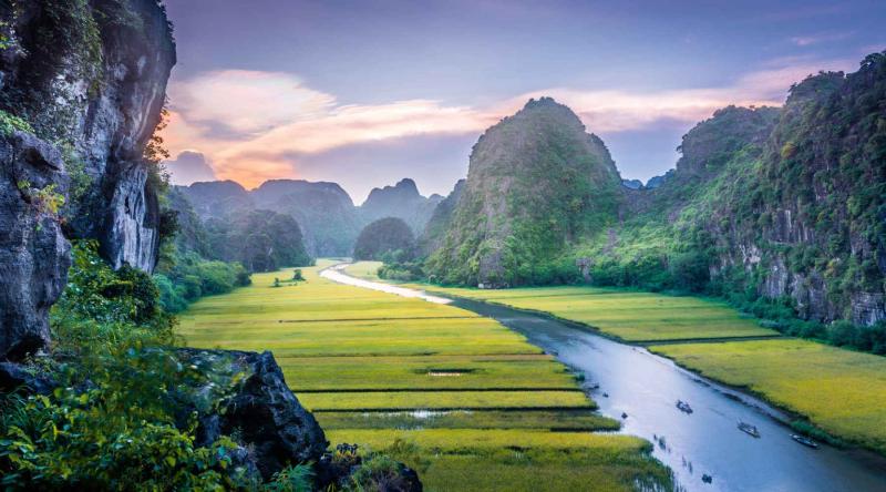 Được mệnh danh là vùng đất Cố Đô hiện nay du lịch Ninh Bình trở thành điểm đến nổi tiếng của Việt Nam.