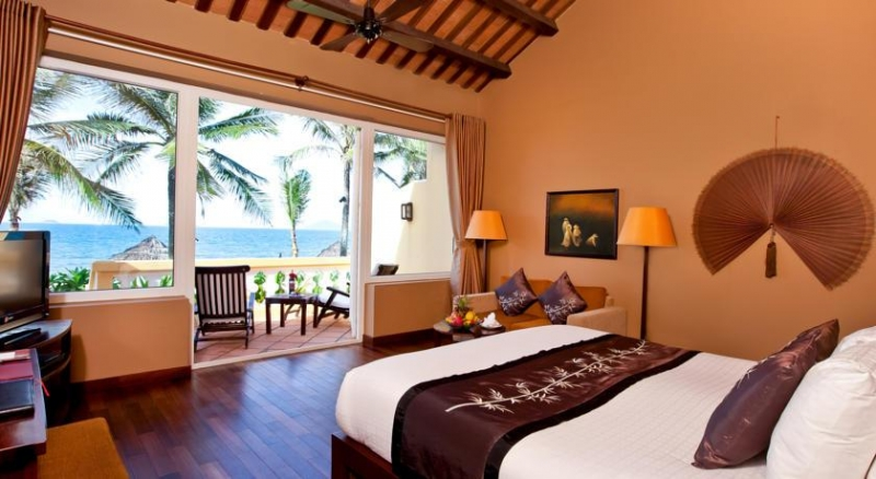 Khách sạn luôn cung cấp những dịch vụ đạt chuẩn 4 sao với chất lượng tốt nhất.
