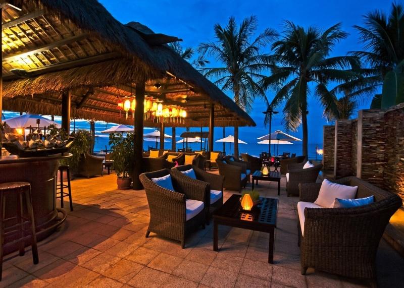 Buổi tối tại Victoria Hội An Beach Resort & Spa
