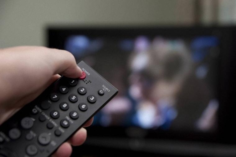 Xem tivi làm ta ít hạnh phúc hơn