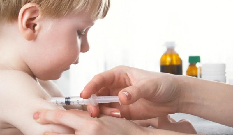 Trẻ được tiêm phòng viêm an B đúng định kỳ.