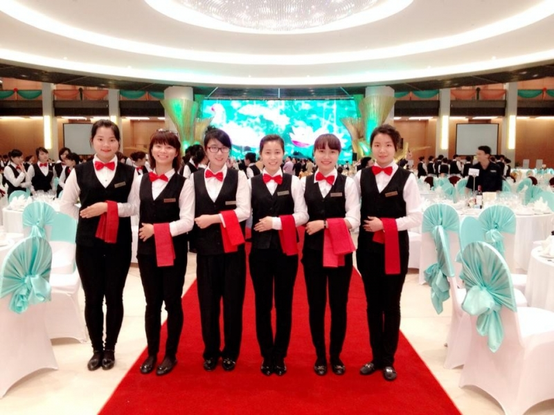 Sinh viên Khoa Du lịch hỗ trợ Khách sạn tại Đại hội đồng Liên minh Nghị viện thế giới lần thứ 132