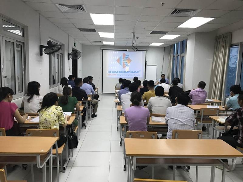 Một lớp học tại Viện đào tạo và phát triển khoa học xây dựng
