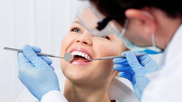 Khách hàng điều trị nha khoa tại Kay Dentist