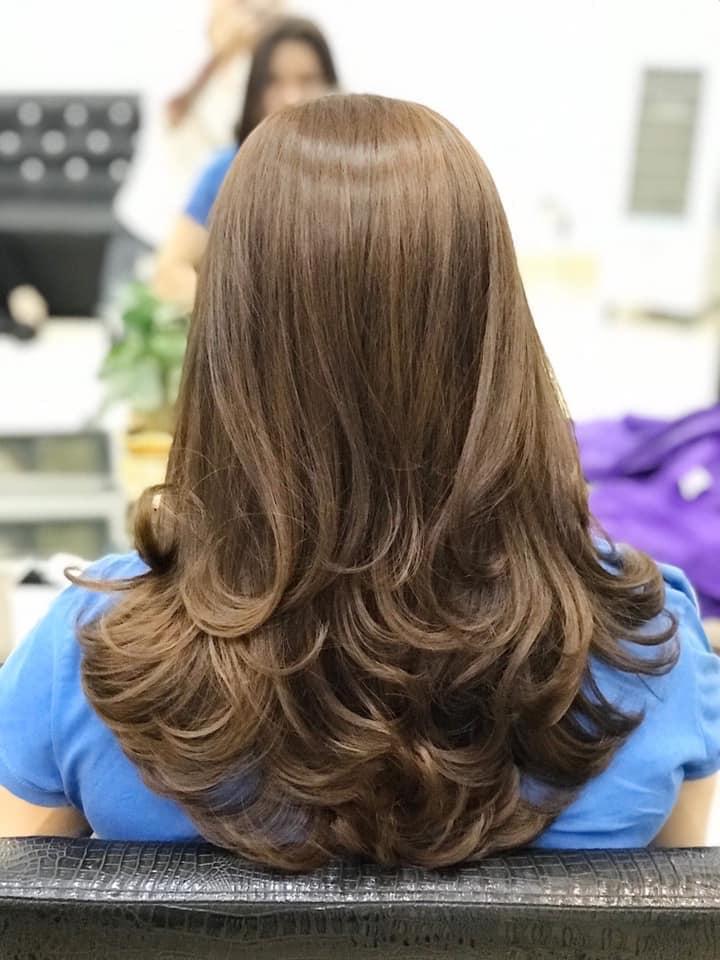 Tóc đẹp với mẫu tóc cũng như màu tóc được thực hiện tại viện Tóc Suny