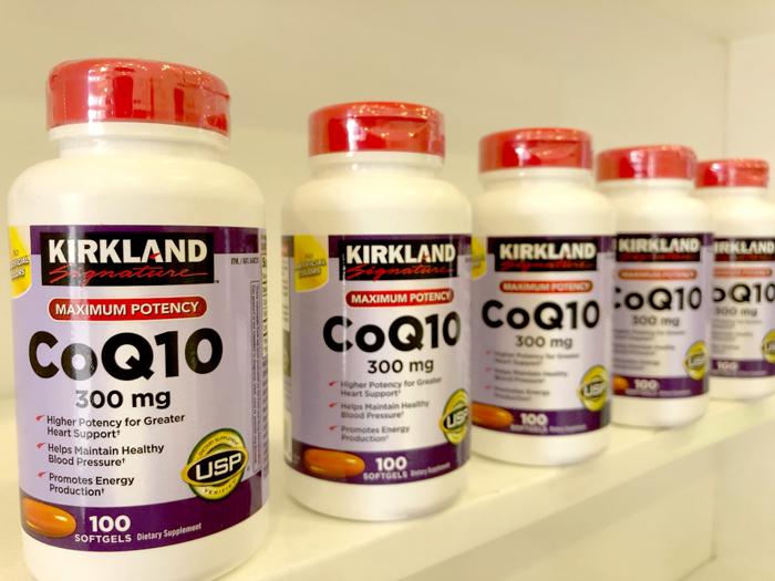 Viên uống hỗ trợ tim mạch Kirkland có hàm lượng CoQ10 300mg, chiết xuất từ tự nhiên mang lại công dụng hỗ trợ tích cực cho các hoạt động của tim, bảo vệ và duy trì sức khỏe tim mạch.