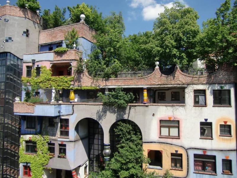 Những ngôi nhà Hundertwasserhaus đậm chất nghệ thuật