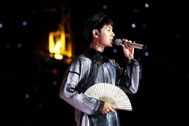 Cao Bá Hưng - SingMySong.
