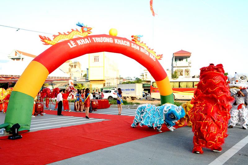 Viet Dragon Event cung cấp đầy đủ các dịch vụ cho buổi lễ khai trương.