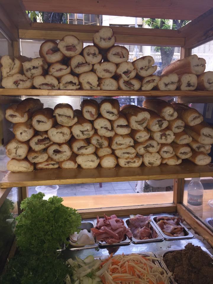Việt Linh Bread & Tea - 92 Hàng Trống
