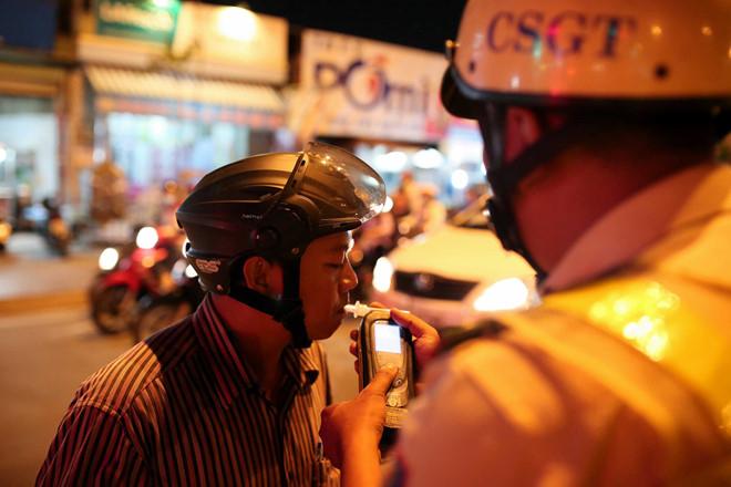 Đo nồng độ cồn trở nên phổ biến tại Việt Nam bắt đầu từ đầu năm 2020
