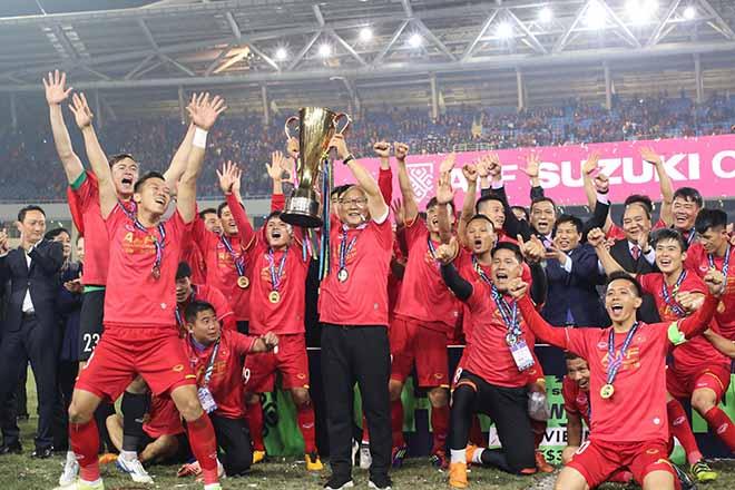 HLV Park Hang Seo cùng ĐTVN vô địch AFF Cup