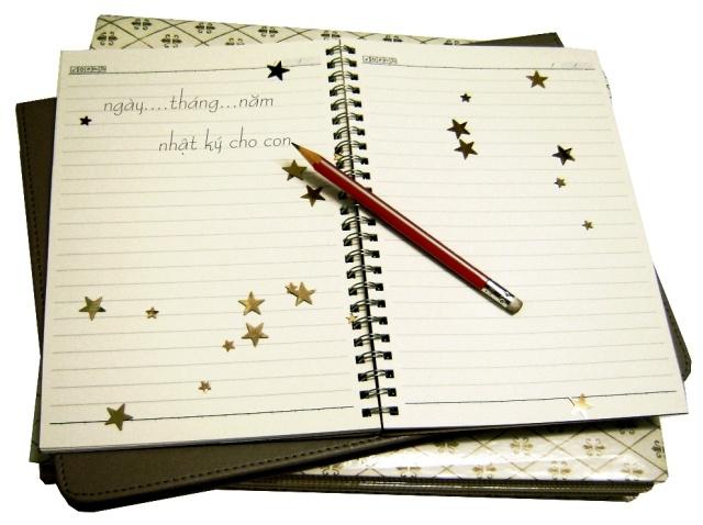 Viết sách/ nhật ký về con