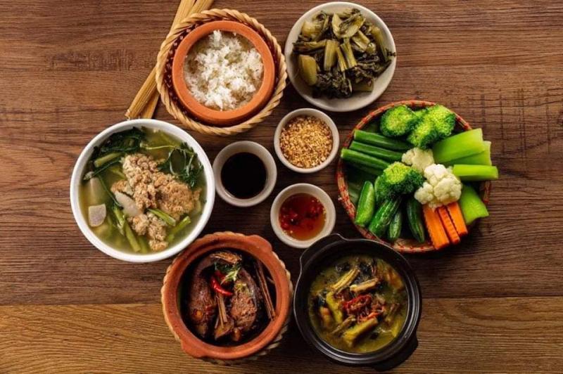 Việt Xưa Restaurant - Cơm Niêu