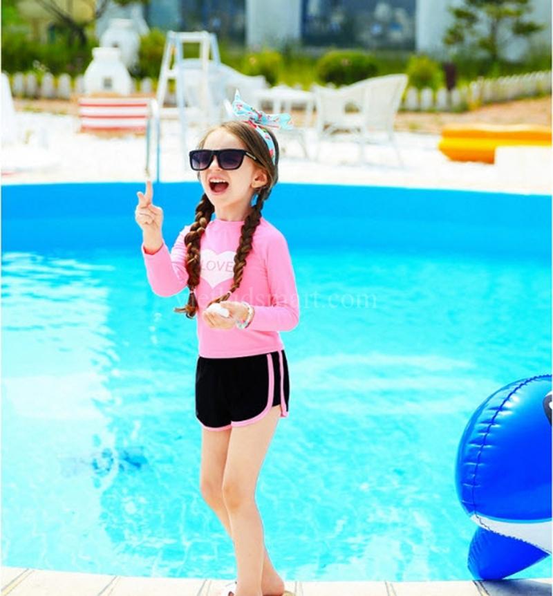 Bé của bạn sẽ thực sự nổi bật khi đi bơi với đồ bơi của Vietkidsmart