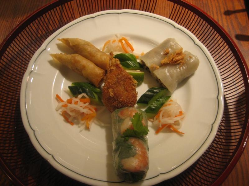 Món ăn ở Vietnam Alice