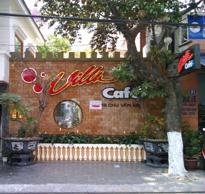 Bên ngoài Villa cafe