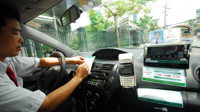 Nhân viên Vinasun Taxi chuyên nghiệp