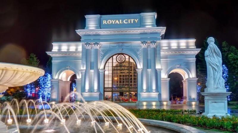 Cổng vào Royal CiTy. ảnh sưu tầm.