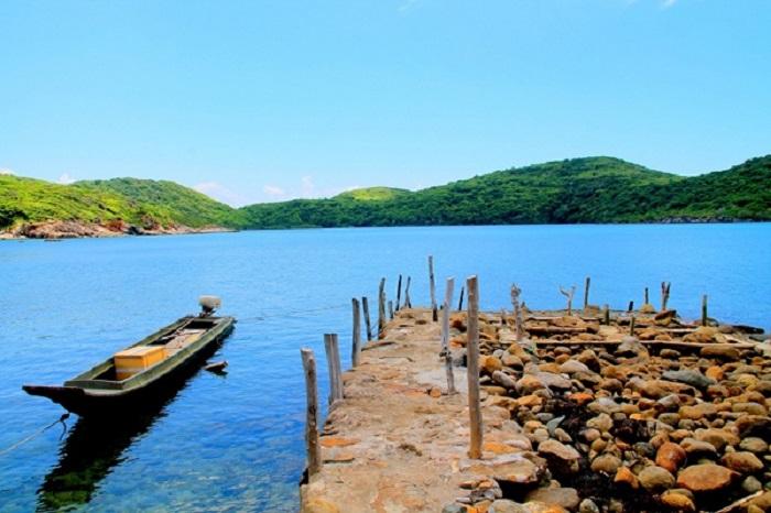 Dam Tre Bay