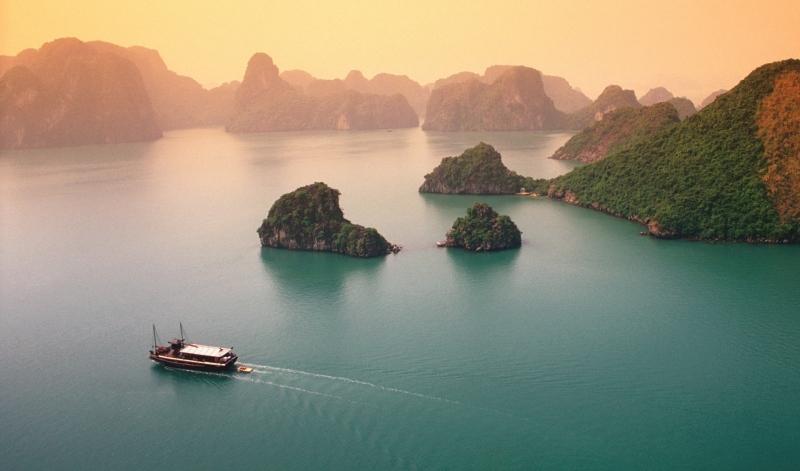 Vịnh Hạ Long - Vịnh có nhiều đảo nhỏ nhất