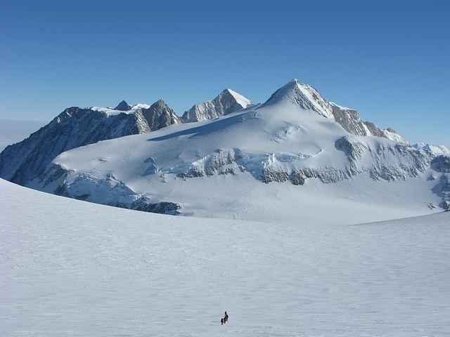 Vinson Massif - Châu Nam Cực