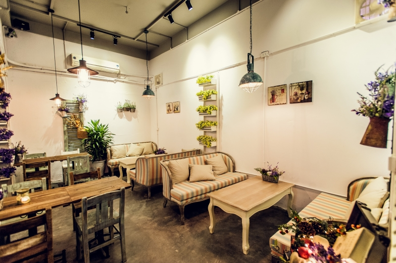 Vintage 1976 Cafe Lí Thường Kiệt