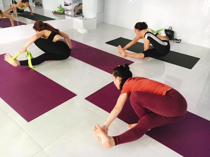 Vinyasa Yoga Long Xuyên