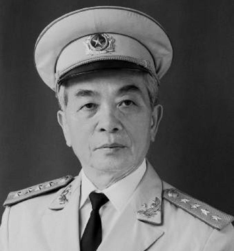 Võ Nguyên Giáp - Người anh hùng của dân tộc Việt Nam.